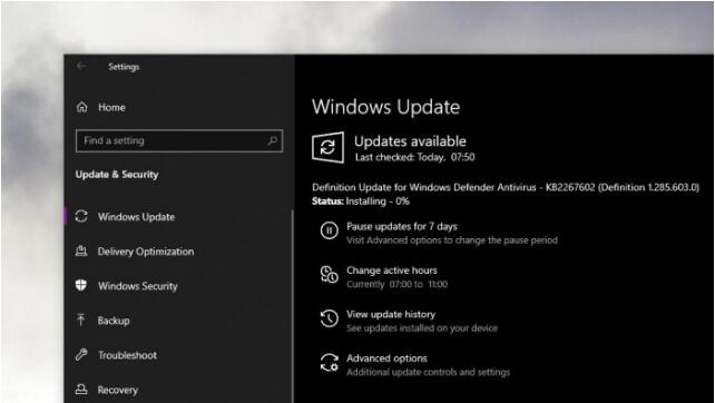 如何阻止Windows10系统捆绑更新设备驱动?